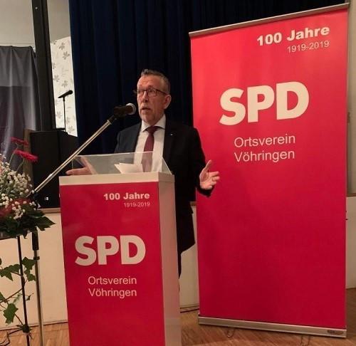 Grußwort durch den Bundestagsabgeordneten Dr. Karl-Heinz Brunner.